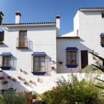 Casas blancas y azules en Andalucía