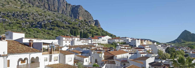 Pueblo blanco de montaña es Montejaque